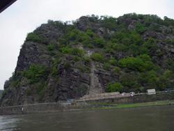 ローレライ岩.jpg